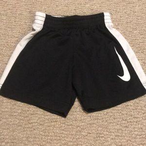 Boys Nike Shorts Size 2T VGUC
